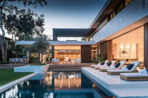 18-Dazzling-Modern-Swimming-Pool-Designs-The-Ultimate-Backyard-Refreshment-3